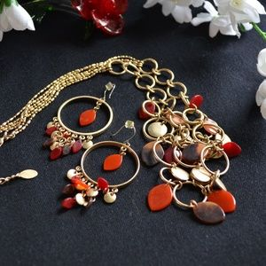 Beautiful Gold Necklace and Earring Set